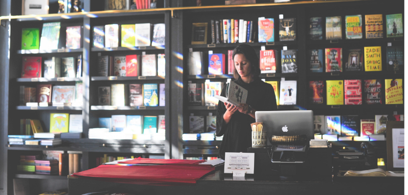selling-book-at-bookstore